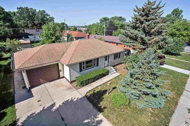 1630 Juniper Drive, Green Bay, WI 54302 (#50188069) :: Todd Wiese Homeselling System, Inc.