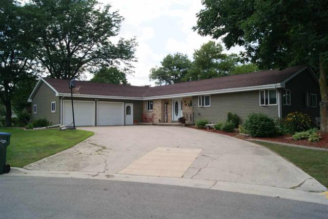 721 Columbus Avenue, Brillion, WI 54110 (#50188728) :: Todd Wiese Homeselling System, Inc.