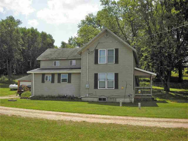E2367 Hwy C, Iola, WI 54945 (#50189022) :: Dallaire Realty