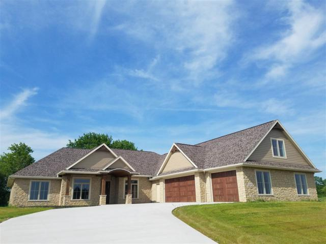 2124 E Downs Ridge, Appleton, WI 54913 (#50189128) :: Todd Wiese Homeselling System, Inc.