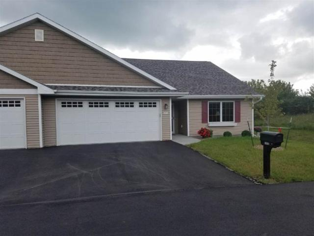 4390 Autumn Hills Drive, Oshkosh, WI 54904 (#50189333) :: Todd Wiese Homeselling System, Inc.