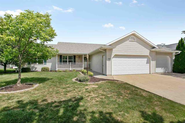 2080 Meadowview Street, Kaukauna, WI 54140 (#50189610) :: Todd Wiese Homeselling System, Inc.