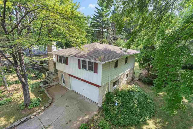 1291 Driftwood Drive, De Pere, WI 54115 (#50189704) :: Dallaire Realty