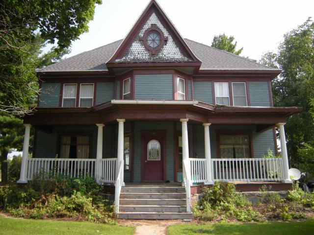 202 E Garfield Avenue, Marion, WI 54950 (#50189706) :: Dallaire Realty