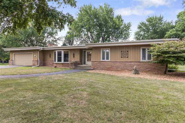 1370 Breezewood Lane, Neenah, WI 54956 (#50189941) :: Dallaire Realty