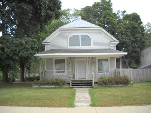 1922 University Avenue, Green Bay, WI 54302 (#50189996) :: Todd Wiese Homeselling System, Inc.