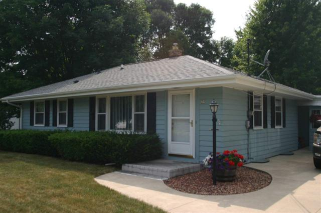 79 S Oakwood Road, Oshkosh, WI 54904 (#50190039) :: Todd Wiese Homeselling System, Inc.