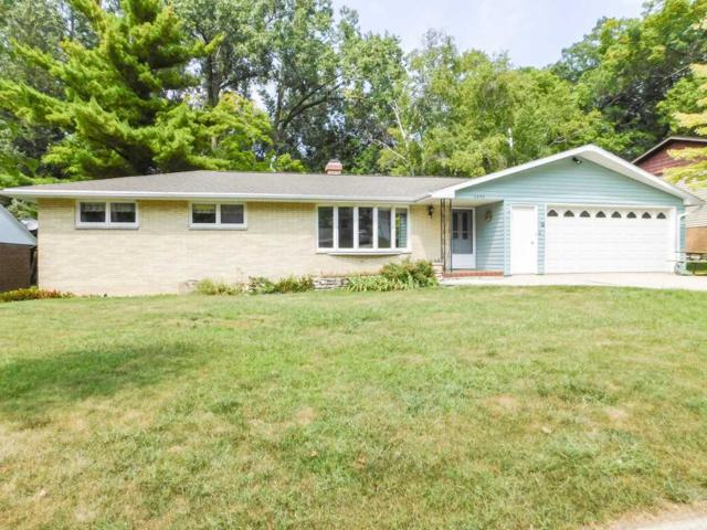 2493 Leslie Drive, Green Bay, WI 54302 (#50190049) :: Todd Wiese Homeselling System, Inc.
