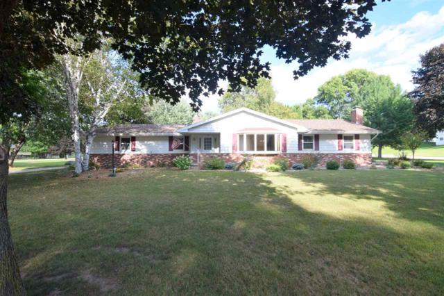 206 Lakeside Drive, Clintonville, WI 54929 (#50190315) :: Dallaire Realty