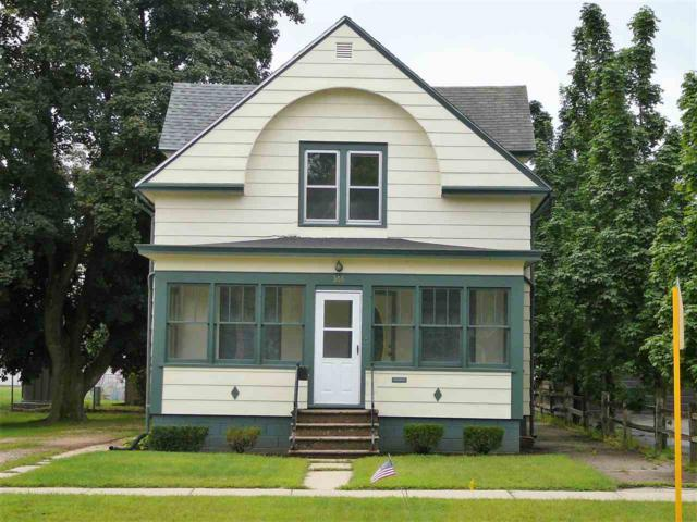 366 Broadway Street, Berlin, WI 54923 (#50190486) :: Dallaire Realty