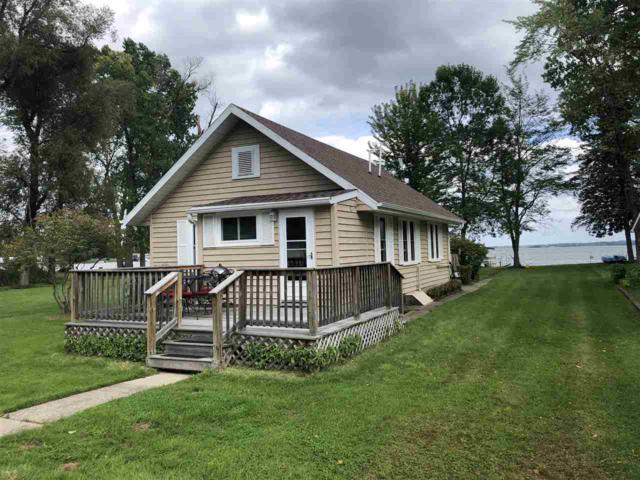 N6024 Lake Drive, Shawano, WI 54166 (#50190821) :: Dallaire Realty