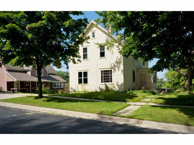 805 Miller Street, Kewaunee, WI 54216 (#50190866) :: Dallaire Realty