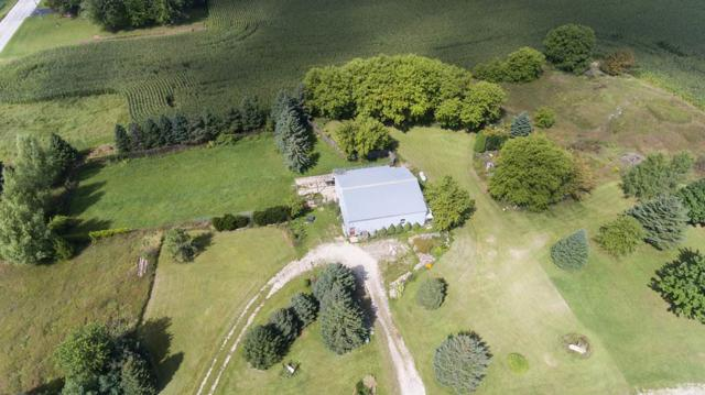 16808 Taus Road, Reedsville, WI 54230 (#50190915) :: Dallaire Realty
