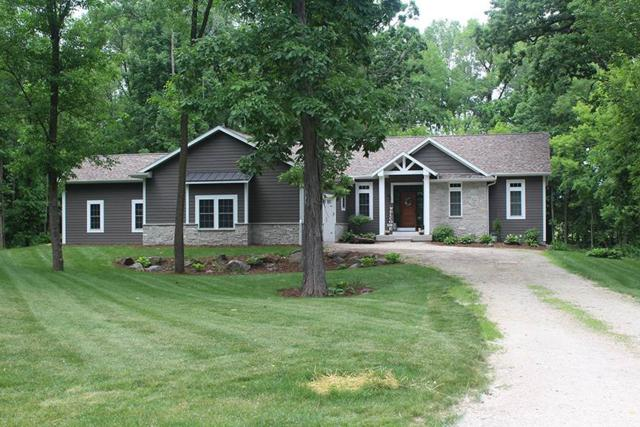 W7957 Thomaswood Trail, Fond Du Lac, WI 54937 (#50191106) :: Todd Wiese Homeselling System, Inc.