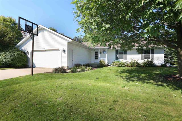 N1391 Woodland Drive, Greenville, WI 54942 (#50191345) :: Dallaire Realty