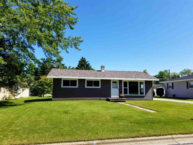 1806 Lawrence Street, New London, WI 54961 (#50191549) :: Dallaire Realty
