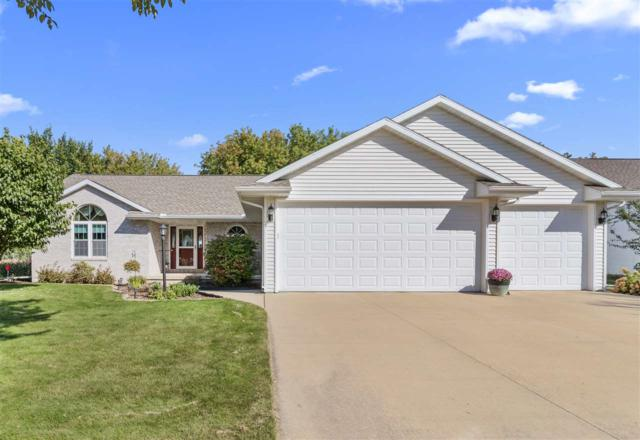 540 W Crossing Meadows Lane, Appleton, WI 54913 (#50191737) :: Dallaire Realty