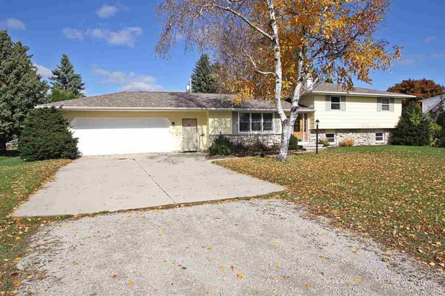 324 W Sunset Avenue, Appleton, WI 54911 (#50191790) :: Symes Realty, LLC