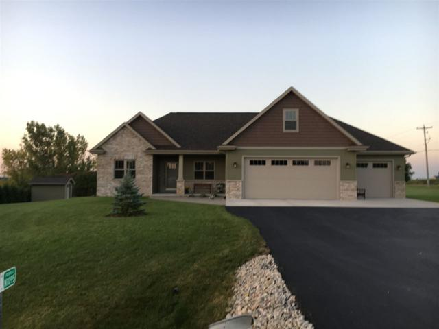 N1095 Quarry View Drive, Hortonville, WI 54944 (#50191941) :: Dallaire Realty