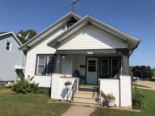 203 Hill Street, Shawano, WI 54166 (#50191955) :: Dallaire Realty