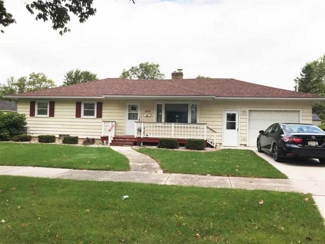 508 W 9TH Street, Kaukauna, WI 54130 (#50192051) :: Dallaire Realty