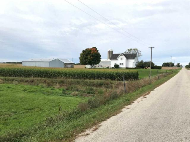 E4637 Lakeshore Road, Kewaunee, WI 54216 (#50192431) :: Dallaire Realty
