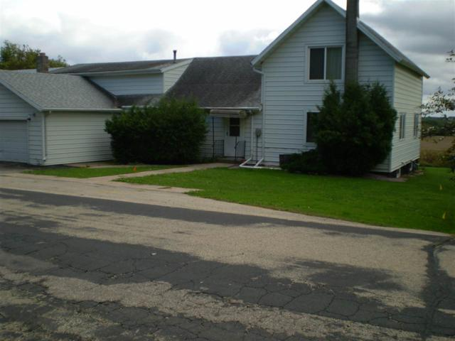 E6681 Butternut Road, Manawa, WI 54949 (#50192519) :: Todd Wiese Homeselling System, Inc.