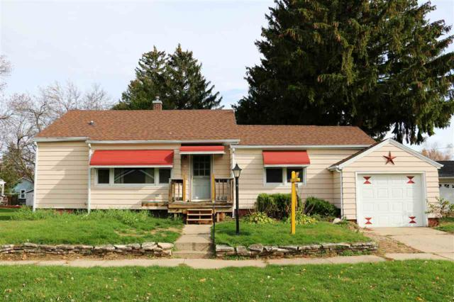 144 Jackson Street, Berlin, WI 54932 (#50192941) :: Dallaire Realty