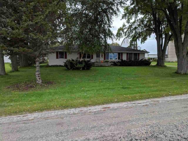 N5201 Lower Road, Shiocton, WI 54170 (#50192943) :: Symes Realty, LLC