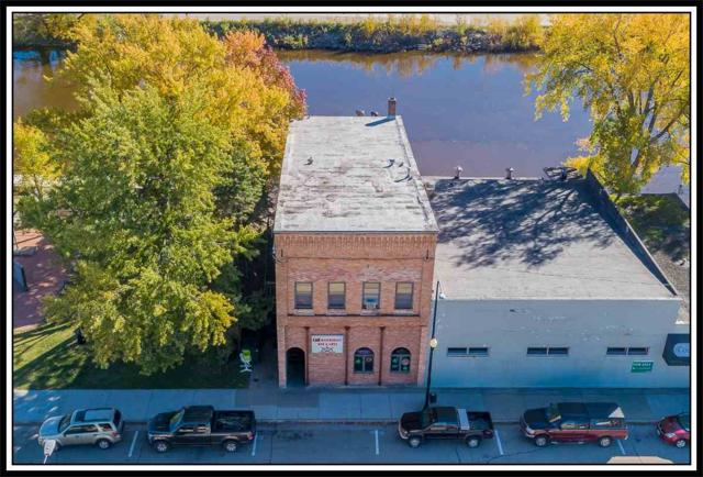 408 W North Water Street, New London, WI 54961 (#50192967) :: Symes Realty, LLC