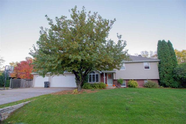 W2963 Farmstead Drive, Appleton, WI 54914 (#50193088) :: Dallaire Realty