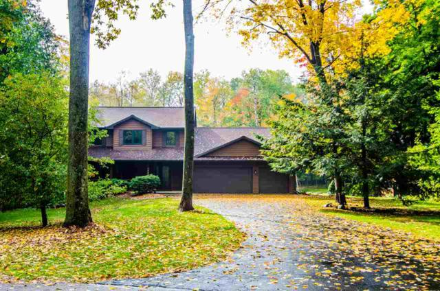 1775 Tibbet Court, Little Suamico, WI 54141 (#50193091) :: Dallaire Realty