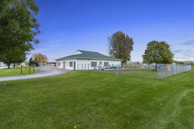 W6127 Lorna Lane, Appleton, WI 54915 (#50193166) :: Todd Wiese Homeselling System, Inc.