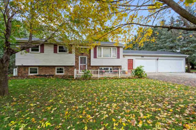 2986 W Shady Lane, Neenah, WI 54956 (#50193304) :: Dallaire Realty