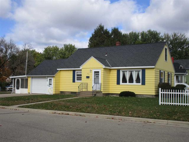 305 W Wescott Avenue, Shawano, WI 54166 (#50193380) :: Symes Realty, LLC