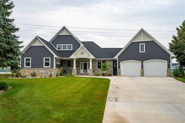 270 Sunset Lane, Winneconne, WI 54986 (#50193384) :: Dallaire Realty