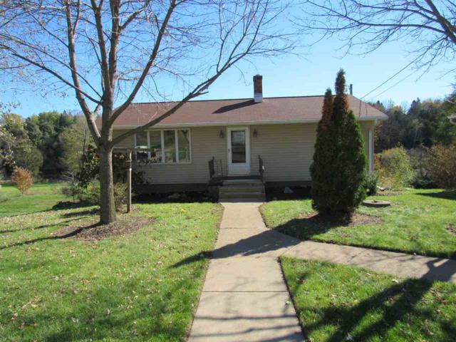W2293 Hwy 22, Gillett, WI 54124 (#50193542) :: Dallaire Realty