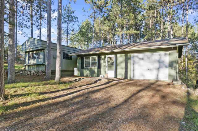 E2046 Waletta Drive, Waupaca, WI 54981 (#50193575) :: Todd Wiese Homeselling System, Inc.