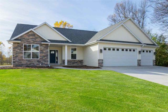 627 Ruys Woods Court, Combined Locks, WI 54113 (#50193697) :: Dallaire Realty