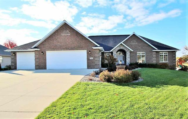 2836 Creekwood Circle, Green Bay, WI 54311 (#50193784) :: Todd Wiese Homeselling System, Inc.
