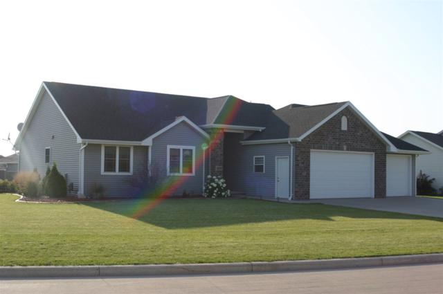 409 Albert Way, Appleton, WI 54915 (#50193831) :: Dallaire Realty