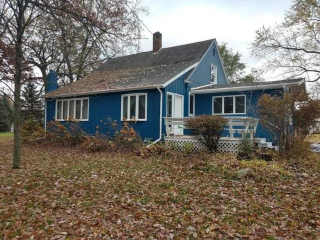 W7613 Hwy 152, Wautoma, WI 54982 (#50193948) :: Dallaire Realty