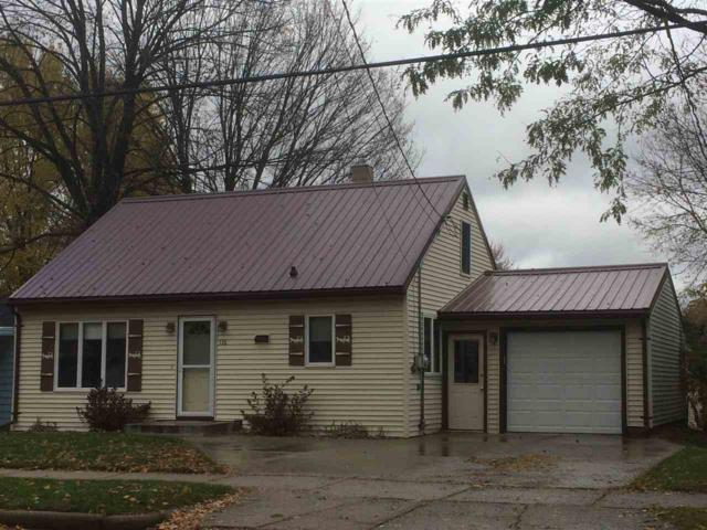 136 S Elm Avenue, Gillett, WI 54124 (#50194128) :: Dallaire Realty