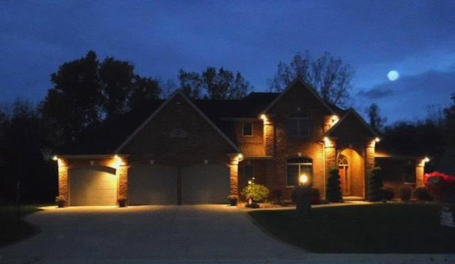 2960 Nikki Lee Court, Green Bay, WI 54313 (#50194187) :: Todd Wiese Homeselling System, Inc.