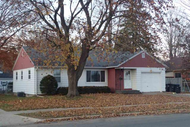 833 E 5TH Street, Shawano, WI 54166 (#50194189) :: Todd Wiese Homeselling System, Inc.