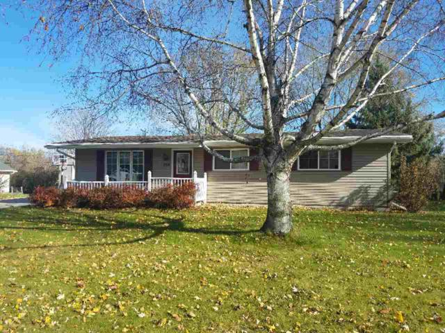 332 Pleasant Way, Seymour, WI 54165 (#50194202) :: Dallaire Realty