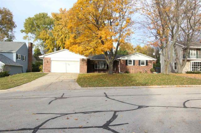 624 W Briar Lane, Green Bay, WI 54301 (#50194407) :: Todd Wiese Homeselling System, Inc.