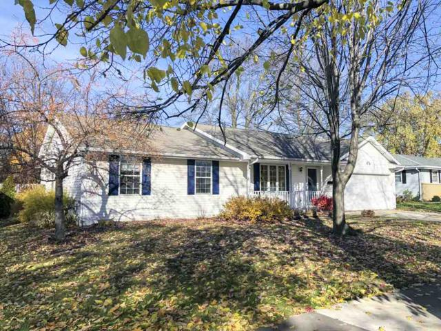 1014 Estes Drive, De Pere, WI 54115 (#50194465) :: Todd Wiese Homeselling System, Inc.