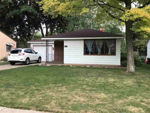 1011 Raymond Street, Green Bay, WI 54304 (#50194489) :: Todd Wiese Homeselling System, Inc.