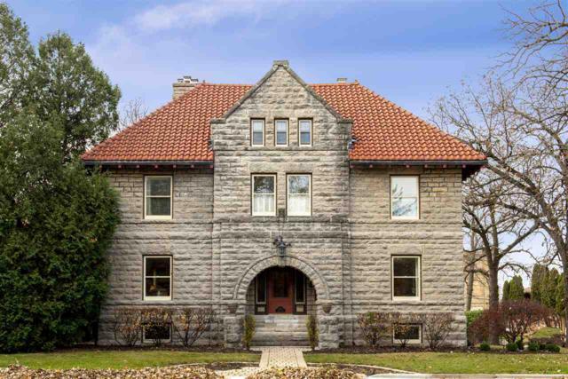 1057 Algoma Boulevard, Oshkosh, WI 54901 (#50194504) :: Todd Wiese Homeselling System, Inc.